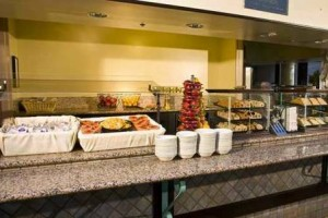 Embassy Suites Hotel Seattle Tacoma Airport free breakfast