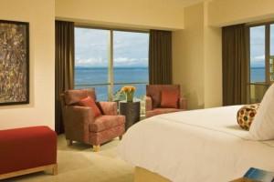 Four Seasons Hotel Seattle bedroom 2