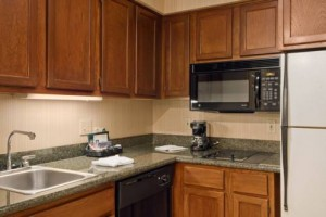 Homewood Suites by Hilton Seattle Tacoma Airport kitchen