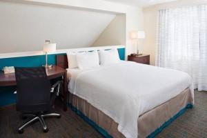 Residence Inn Seattle South Tukwila bedroom 3