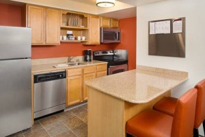 Residence Inn Seattle South Tukwila kitchen