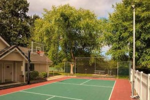 Residence Inn Seattle South Tukwila tennis court
